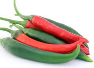 chiles picantes rojos y verdes